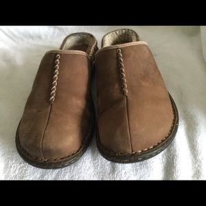 Ugg Australia women's mule clogs brown leather 8